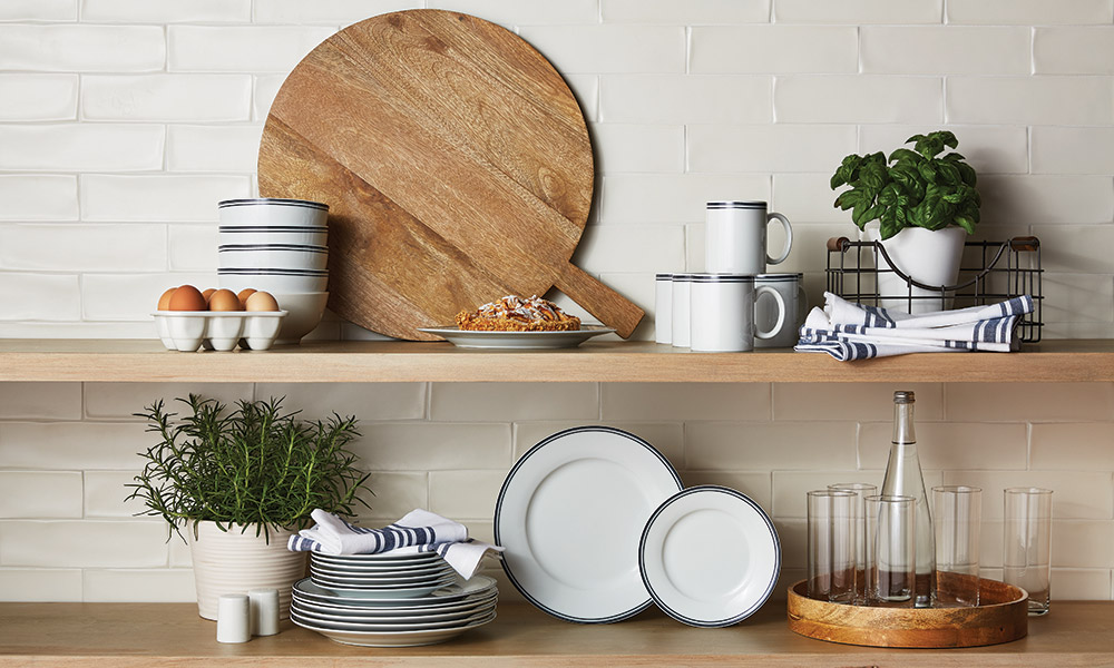 5 Reasons to Embrace Open Shelves in the Kitchen