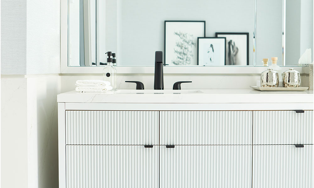 Get Major Bathroom Envy With This Black And White Ensuite Tour