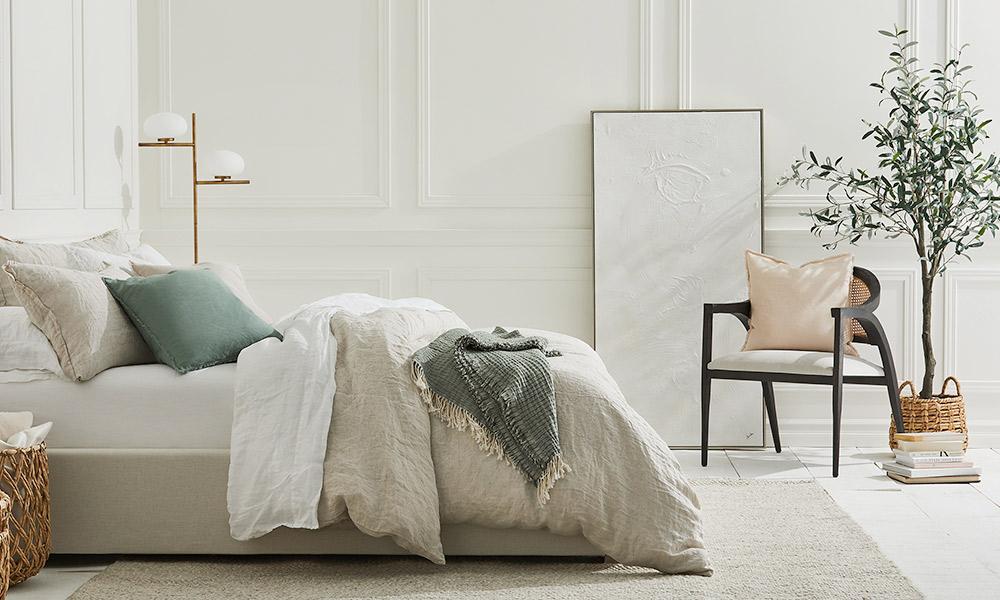 How to Get the Minimalist Bedroom Look
