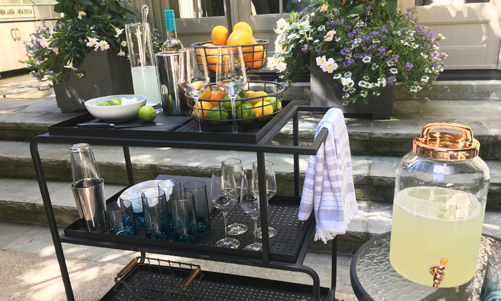 4 Tips for the Perfect Outdoor Bar