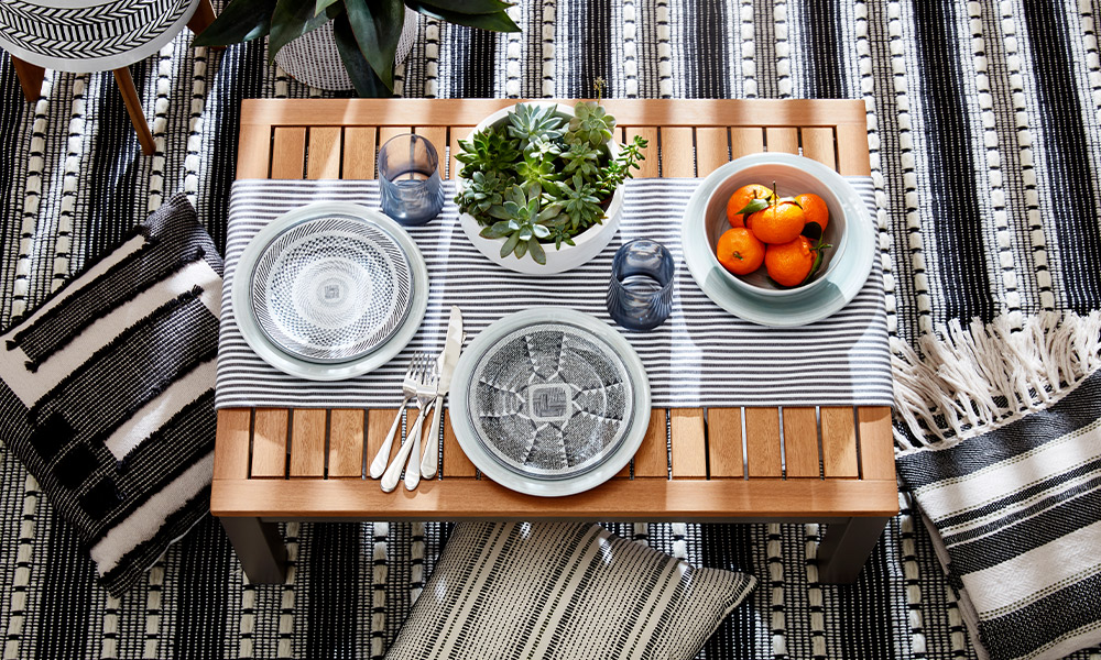 3 Reasons Dining Outdoors is the Best Part of Summer